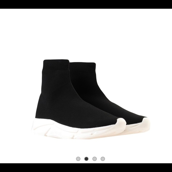 Steve Madden Shoes   Bitten Black Sock